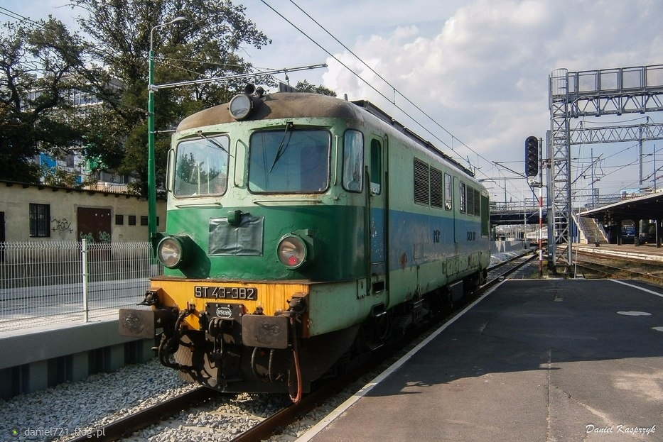 ST43-382