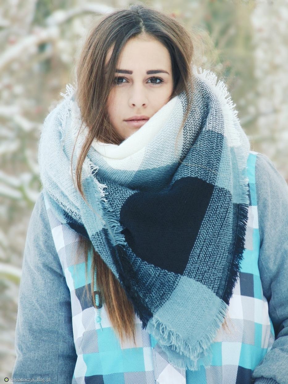 Magiczna dziewczyna zimą
