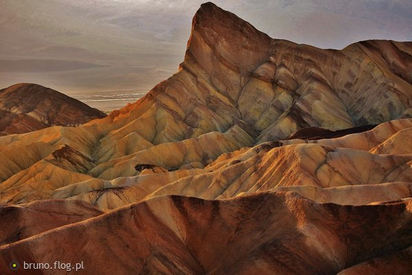 http://s22.flog.pl/media/foto_middle/11734533_death-valley-nat039l-park--czxii--zabriskie-point.jpg