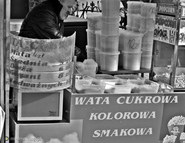 http://s22.flog.pl/media/foto_middle/11768327_na-kaziuki-czas.jpg