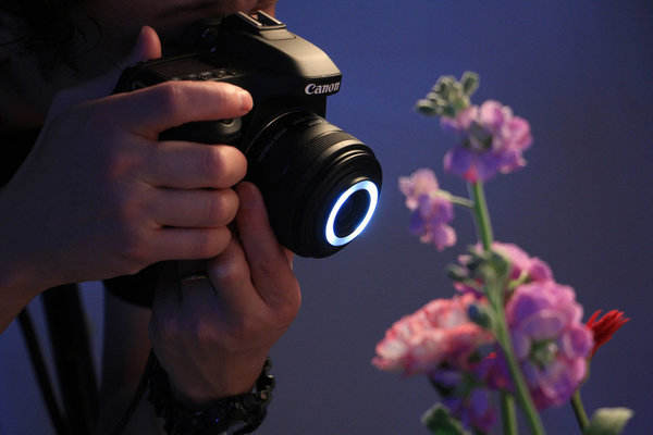 http://s22.flog.pl/media/foto_middle/11838987_canon-efs-35-mm-f28.jpg