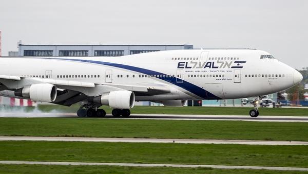 http://s22.flog.pl/media/foto_middle/11858952_dzisiejszy-gosc-w-warszawieboeing-747400-lini-elalpozdrawiam--.jpg
