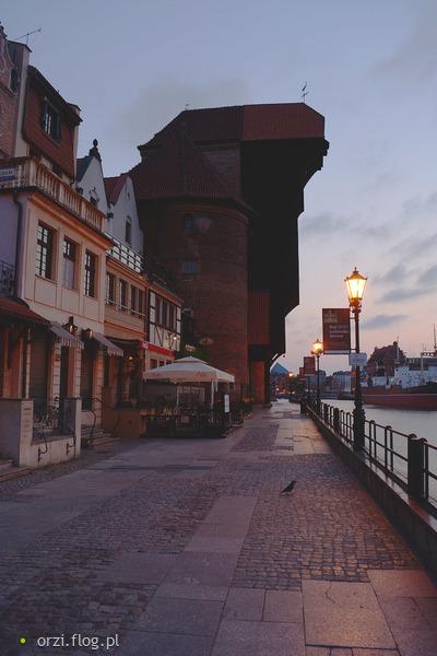 http://s22.flog.pl/media/foto_middle/11925984_gdansk-o-poranku-.jpg