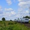 E186 143-4 ::   Traxx z pociągiem międz<br />ynarodowym EN453 relacji <br />Paris Est-Moskva Beloruss<br />kaja zbliża się do pr