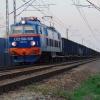 ET22-1034-5281 :: ET22-1034-5281 w barwach <br />Taboru Dębicy z długim sk<br />ładem węglarek zbliża się<br /> do stacji Tarnów.